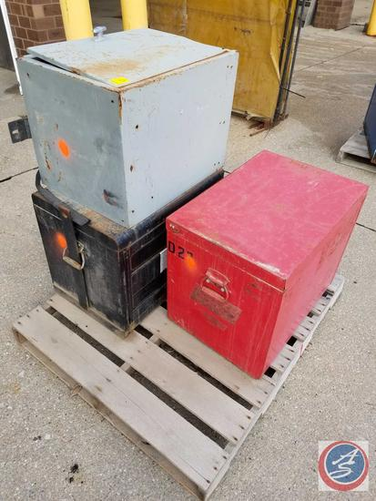 "(2) Mechanic Jobber Box Tool Boxes 18"" x 22"" x 26"" Brand Unknown, 18"" x 21"" x 26"" MacTool, Grey Side"