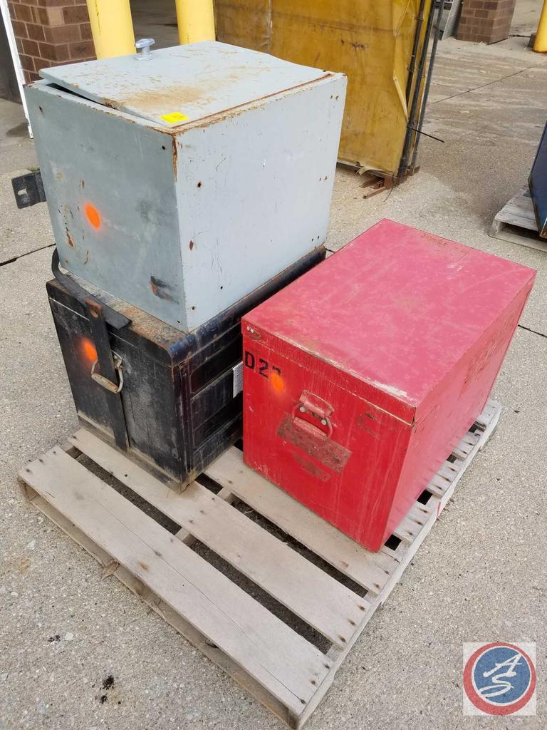 "(2) Mechanic Jobber Box Tool Boxes 18"" x 22"" x 26"" Brand Unknown, 18"" x 21"" x 26"" MacTool, Grey Side"