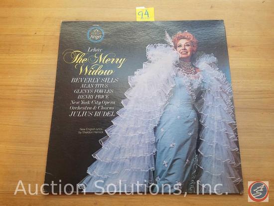 Lehar 1977 'The Merry Widow' Vinyl Record with New English Lyrics by Sheldon Harnick