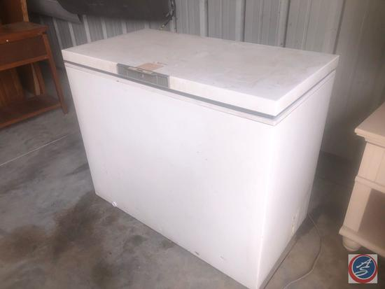 Danby Chest Freezer Model No. DCF1020WEY
