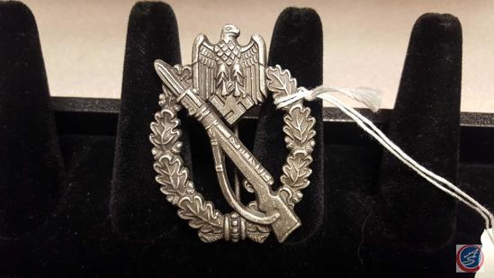 German WWII Army Silver Infantry Assault Badge. The front shows a Mauser K-98 rifle in the center