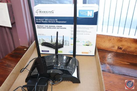 Hawking Technology Hi-Gain Wireless-N Dual Radio Smart Repeater