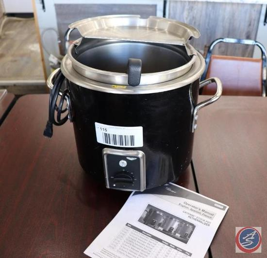 Vollrath Cayenne Stock Pot Rethermalizer Soup Cooker w/ Removable Insert and 4 oz. Ladle