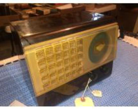 ANTIQUE RADIOS AND COLLECTIBLES ONLINE AUCTION I