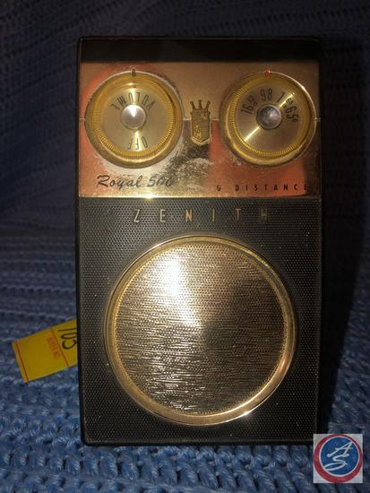 Zenith Royal 500 Long Distance Transistor Radio