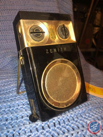 Zenith Royal 500 Long Distance Tubeless All Transistor Radio