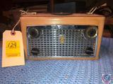 Vintage Zenith Royal 760 Navigator Two Band Tubeless Portable Transistor Radio