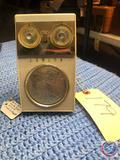 Vintage 1950s Zenith Royal 500 Long Distance Transistor Radio