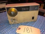 Vintage 1961 Zenith Royal 475 Transistor Radio