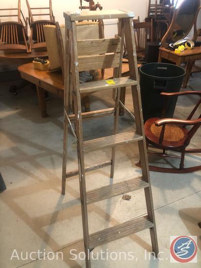 5 ft. Wooden Household Step Ladder