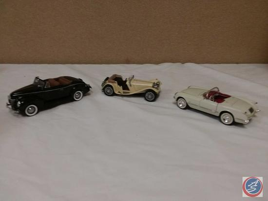 (3) 1:24 Scale Replica Die-Cast Model Cars: Danbury Mint 1940 Ford Deluxe Convertible; 1986 Franklin