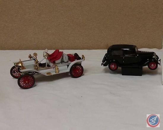 (2) Replica Die-Cast Model Cars {IOB}: 1:18 Scale 1913 Model T Speedster; 1:24 Scale John
