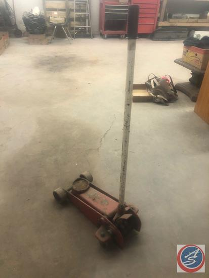 Floor Jack [[NO MARKINGS VISIBLE]]