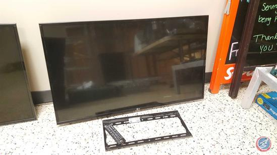LG 43'' Flat Screen TV (Model 43LX341C-UA) w/ Wall Mount and Remote