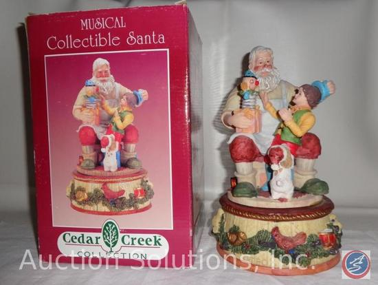 Cedar Creek Collection Musical Santa (Plays 'We Wish You a Merry Christmas') DP 34394/THC 90344