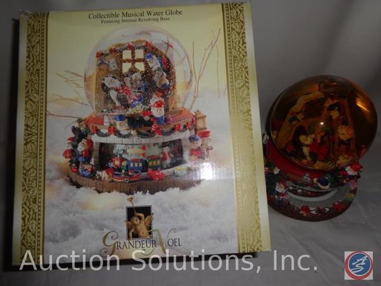 Grandeur Noel Musical Water Globe Collectible w/ Internal Revolving Base (Plays 'Santa Claus is
