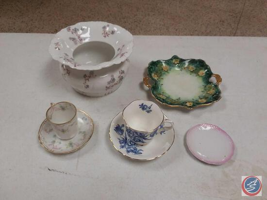 Vintage Porcelain Collectible Items
