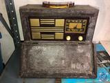 Sparton Vintage Portable Tube Radio Model No. 6AM06