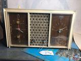 Arvin Vintage Standard Broadcast Alarm Clock Radio Model No. 54R38 Walnut Grain