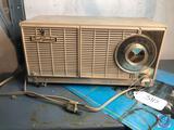 General Electrice Vintage Dual SpeakerPortable Tube Radio Model No. T142