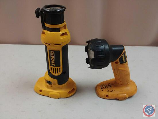 DeWalt DC550 Cordless Cut-Out Tool and Flashlight (NO Battery)