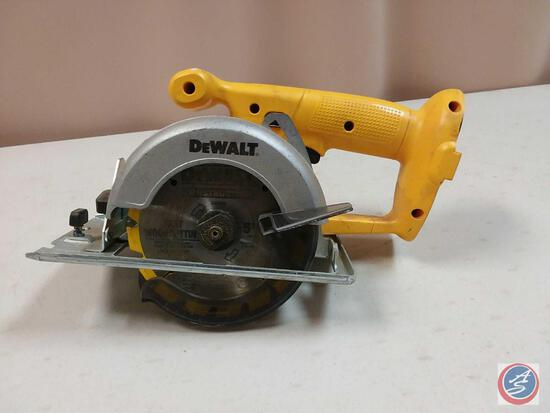 DeWalt DW936 5 3/8'' Cordless Trim Saw (NO Battery)