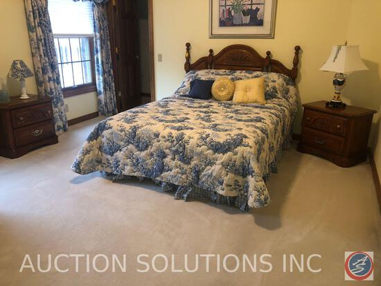 {{3X$BID}} Sumtur Cabinet Company Queen Sized Bed Complete with Mattress, Box Spring, Frame and