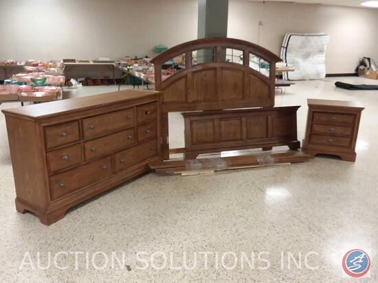 "{{3X$BID}} Liberty Furniture, Eight Drawer Dresser 62"" x 18"" x 36"", Queen Head and Foot Board ,"