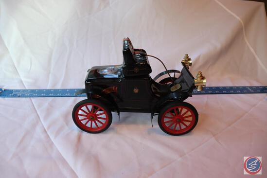 1972 Jim Beam Genuine Regal China Decanter Replica 1904 Oldsmobile Marked 145