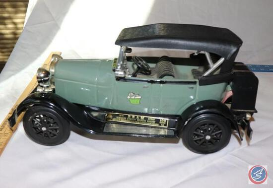 1980 Jim Beam Genuine Regal China 1929 Ford Model A Phaeton Decanter