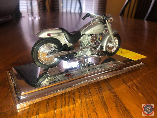 Maisto 1:18 Scale Die Cast Mounted Replica Harley Davidson Street Stalker Marked 399