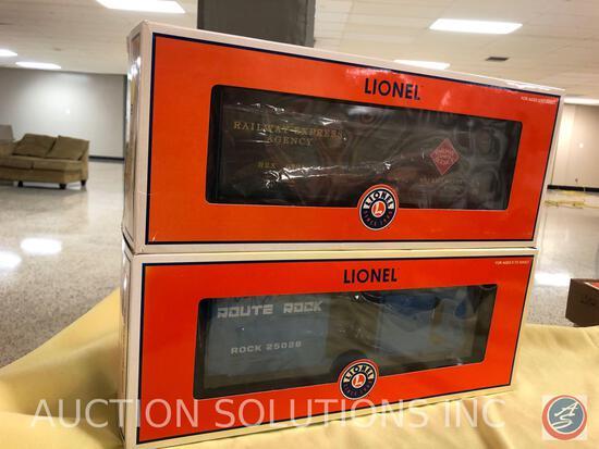 {{2X$BID}} 2004 Lionel Rock Island Hi-Cube Boxcar No. 6-25026 and 2004 Lionel Rea Reefer No. 6-19575