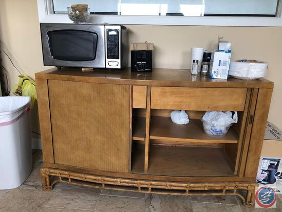 Entire Contents of Break Room {{ANYTHING THAT IS NOT ATTACHED, EXCEPT FOR FRIDGES, THEY ARE SOLD