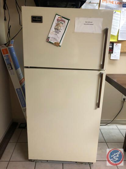 Hot Point No-Frost Refrigerator-Freezer Model No CTF14AG