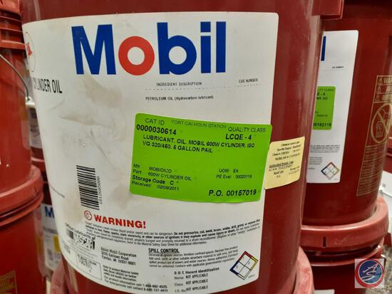 Mobil 600 W Cylinder Oil (4)