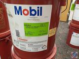 Mobil 600 W Cylinder Oil (2)