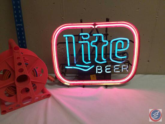 **LOCAL PICKUP ONLY NO SHIPPING** Miller Lite Neon Sign in Working Order
