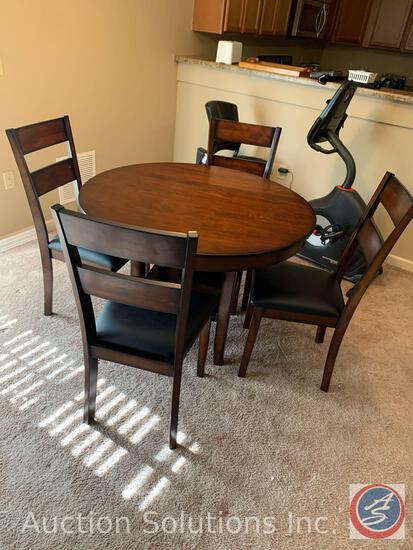 """Standard Furniture Dining Room Table 42"""" x 30"""" w/ (4) Chairs 38"""""""
