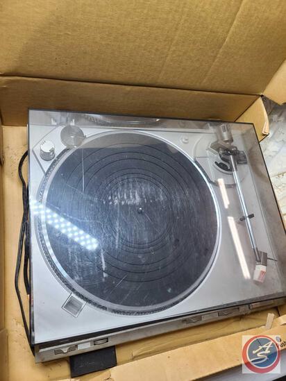 Technics SL-BD25 Turntable, untested
