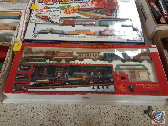 The Bedford Falls Express Christmas Train Set and Station w/ Sound In Original Box
