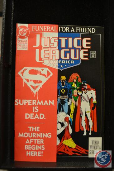 Justice League America Funeral For a Friend January 1993 DC Comic