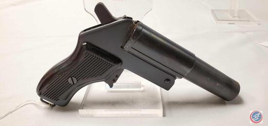 Unknown Model M44 26.5 MM Flare Gun Soviet Block Flare Pistol in leather US Military holster. Ser #