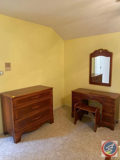 "{{4X$Bid}} Cushman Colonial Bedroom Set Including Dresser Measuring 32"" X 25"" X 22"", Wall Mirror"