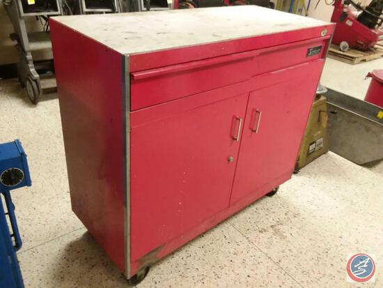 Snap-On Rolling Tool / Parts Cabinet - 2 Drawer / 2 Shelf