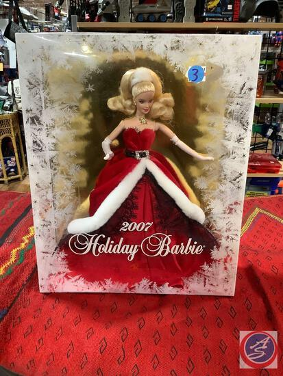 Holiday Barbie 2007 new in box