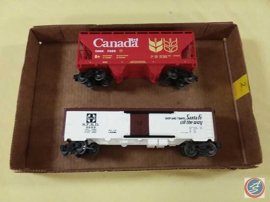 Lionel Canada ACF 2-Bay Cover Hopper Model Train Car and Lionel BLT 1-76 Santa Fe Reefer Car with