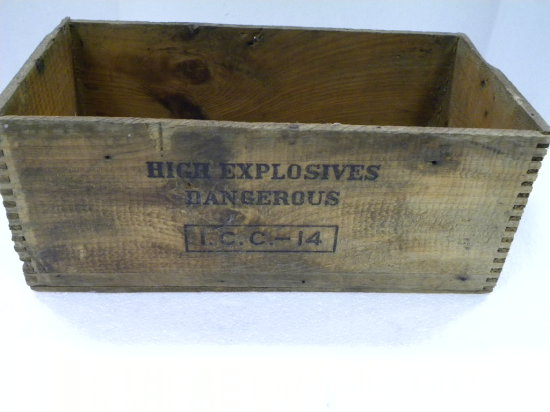 DUPONT HIGH EXPLOSIVES - DYNAMITE BOX