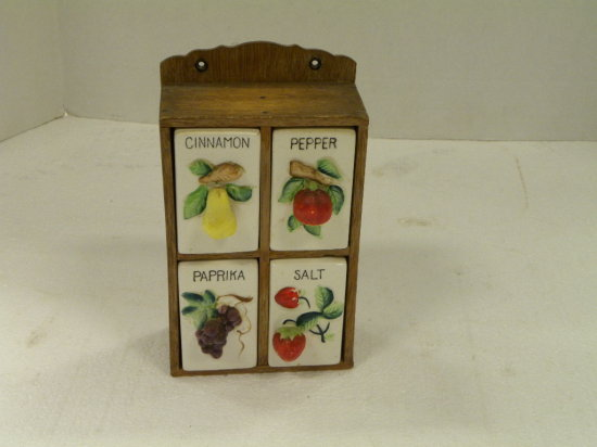 VINTAGE 4 PC. SPICE SET IN WOODEN BOX -