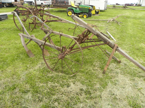 PATTEE HORSE DRAWN ONE ROW CULTIVATOR