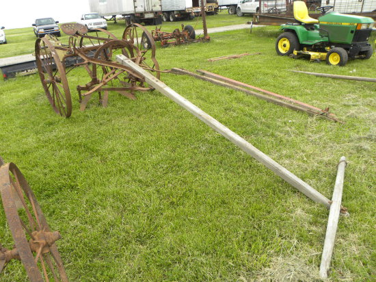 UNKNOWN ONE ROW HORSE DRAWN CULTIVATOR
